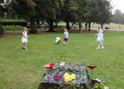 Alice in Wonderland  Picnic